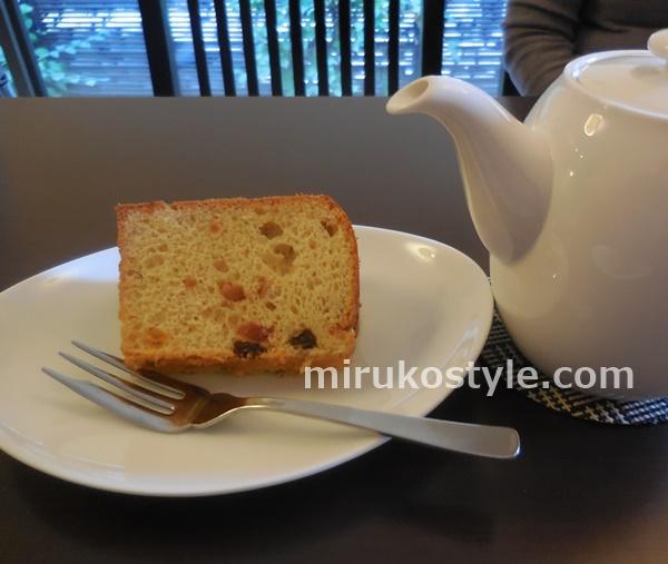 cafe sloth(スロース)のフルーツミックスのシフォンケーキ