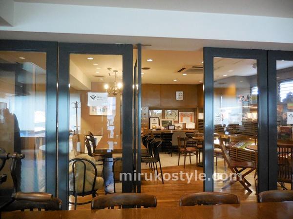 2階のカフェの雰囲気2